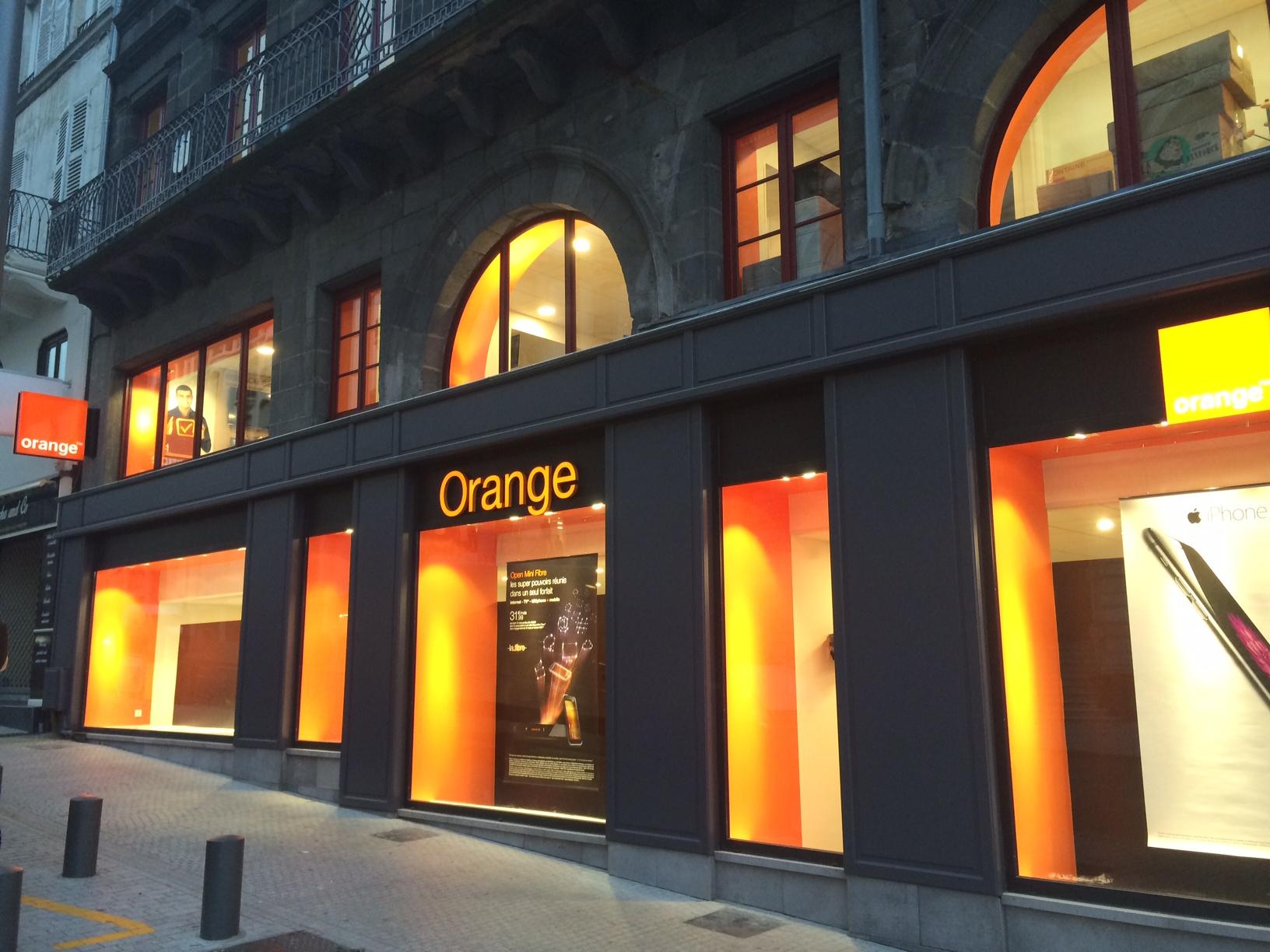 Nos r alisations en cours daguillon menuiserie alu pvc - Boutique orange montelimar ...